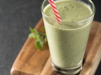Green Smoothie contains Banana, Kiwi, Spinach, Avocado and Yoghurt and Apple Juice.